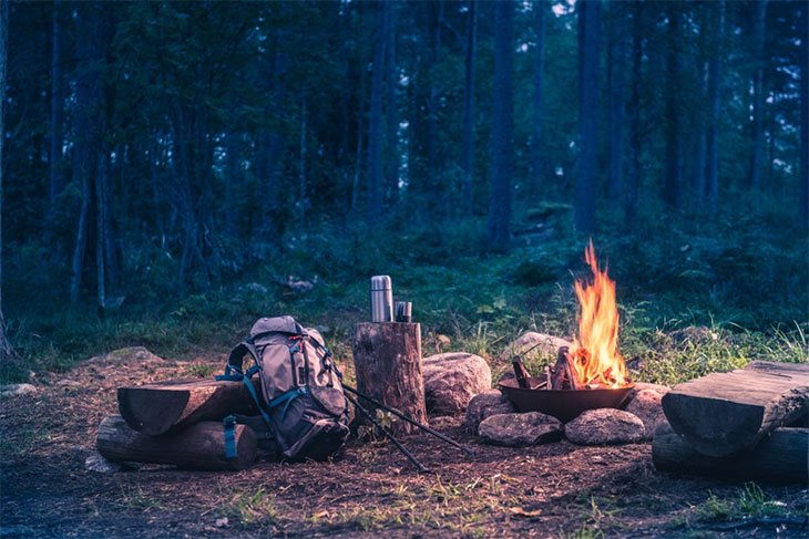 cold weather camping without a tent